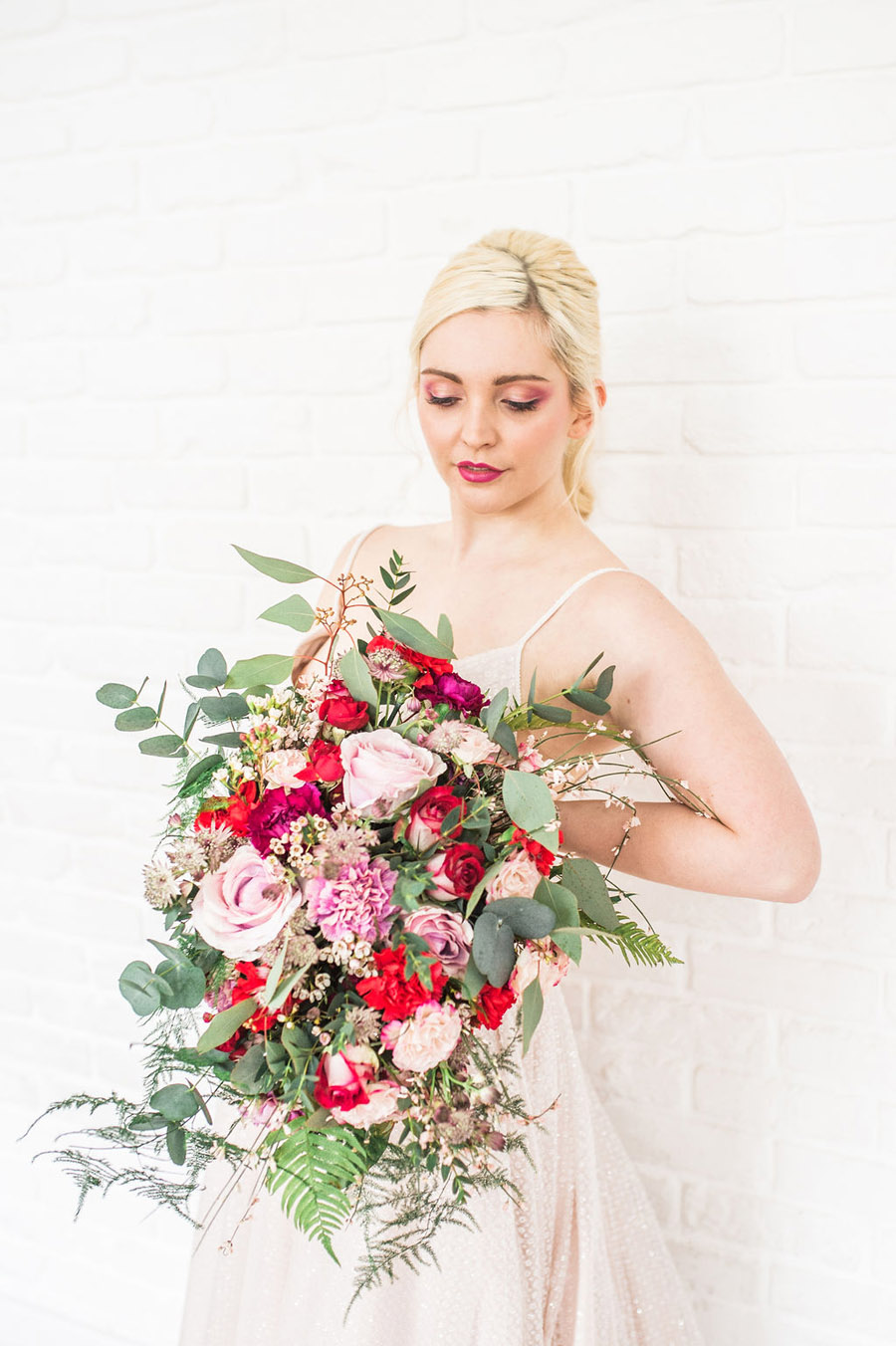 Modern luxe wedding style ideas with images by Laura Jane Photography (21)