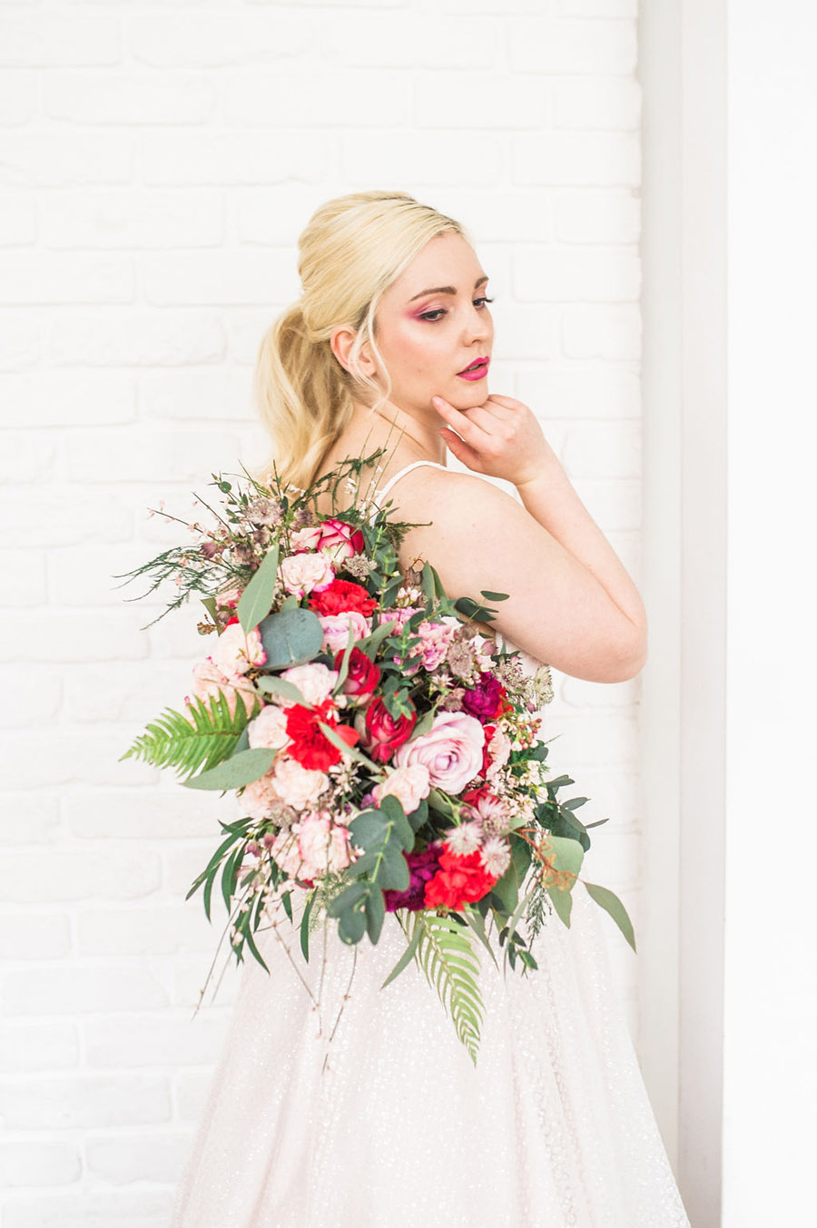 Modern luxe wedding style ideas with images by Laura Jane Photography (18)