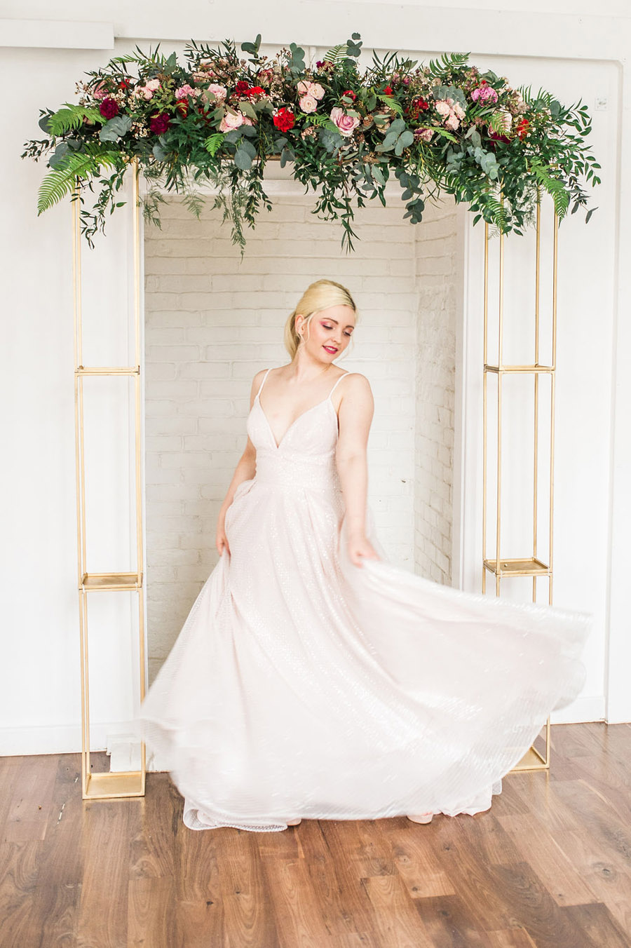 Modern luxe wedding style ideas with images by Laura Jane Photography (17)