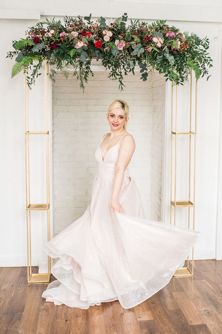 Modern luxe wedding style ideas with images by Laura Jane Photography (16)