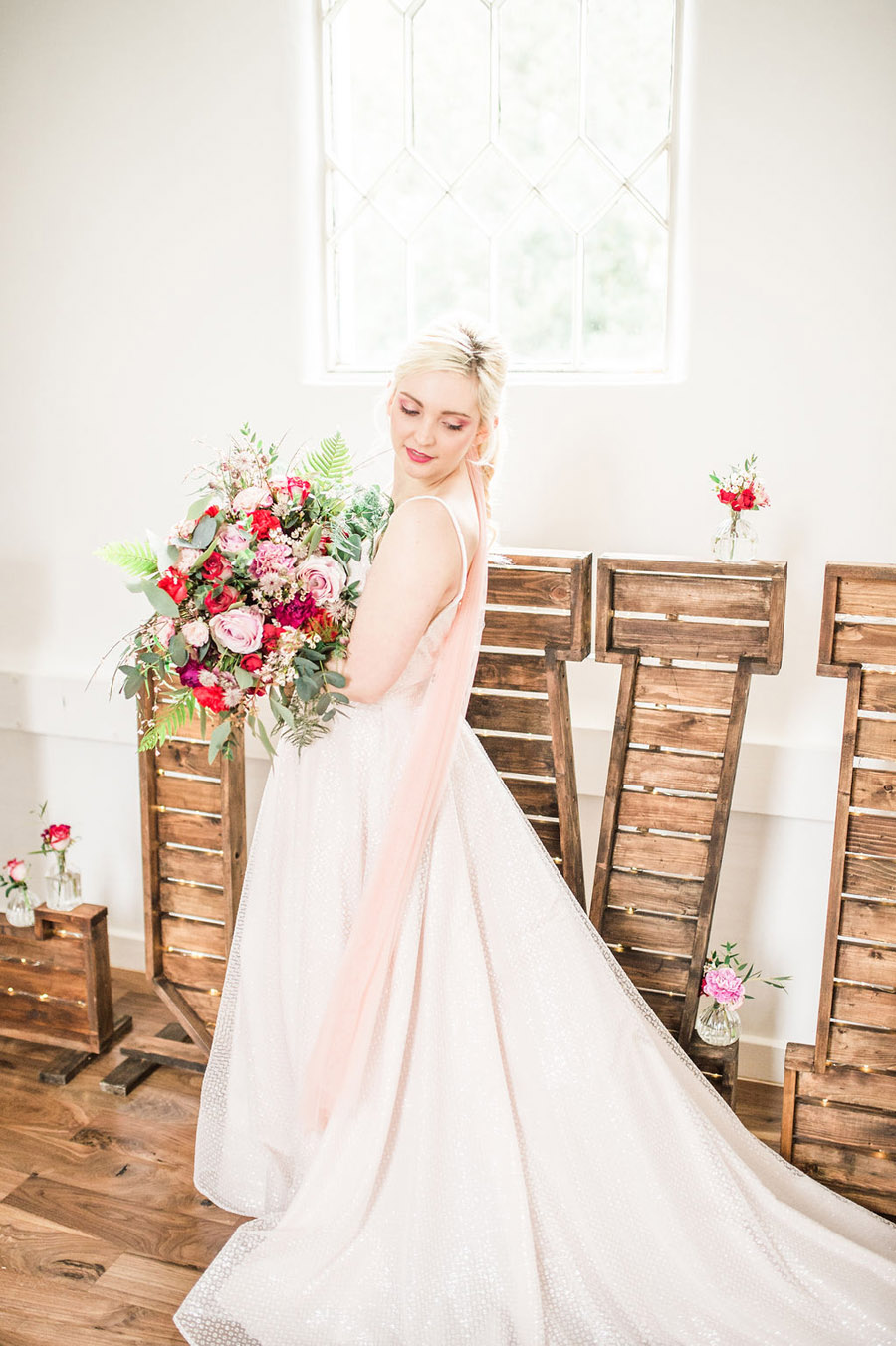 Modern luxe wedding style ideas with images by Laura Jane Photography (10)