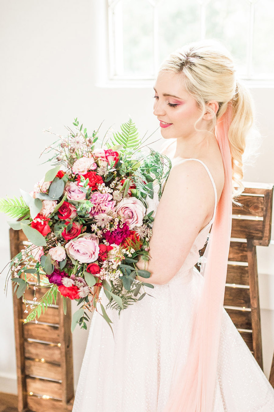 Modern luxe wedding style ideas with images by Laura Jane Photography (9)
