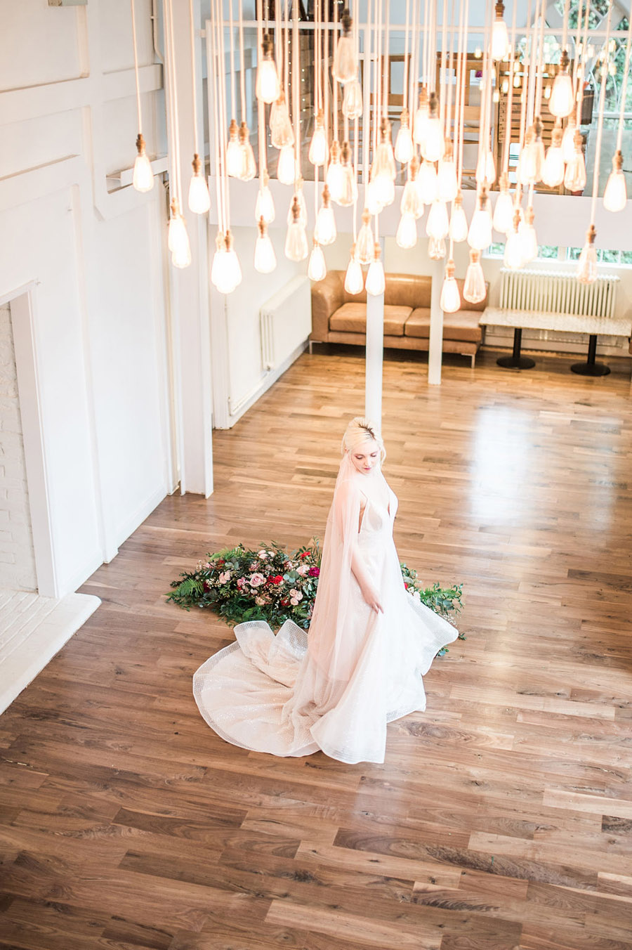 Modern luxe wedding style ideas with images by Laura Jane Photography (1)