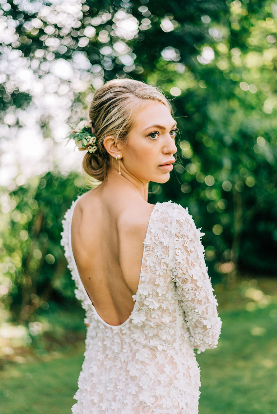 coral and neutral colour palette for a stunning wedding look with Corky and Prince, image credit Rachel Jane Photography (6)