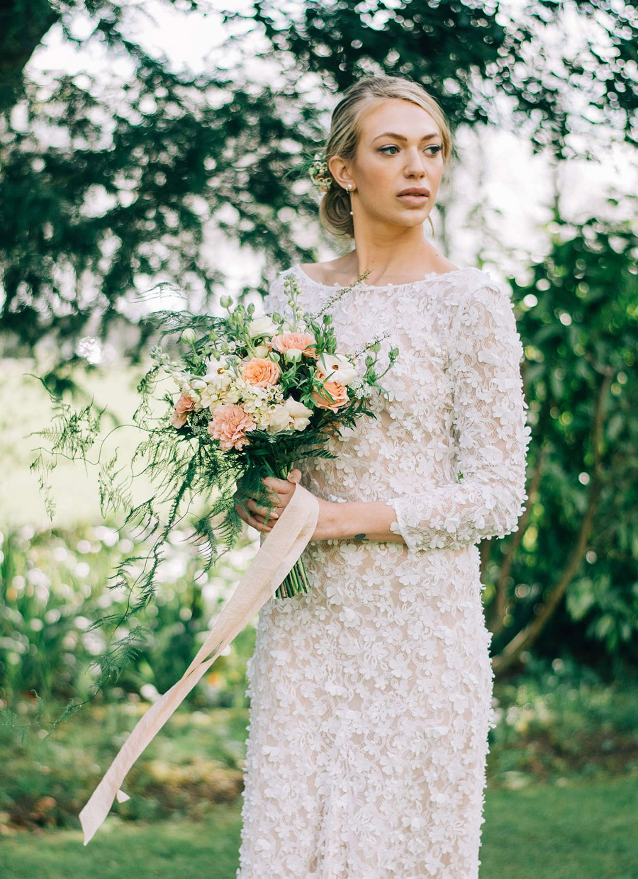 coral and neutral colour palette for a stunning wedding look with Corky and Prince, image credit Rachel Jane Photography (9)