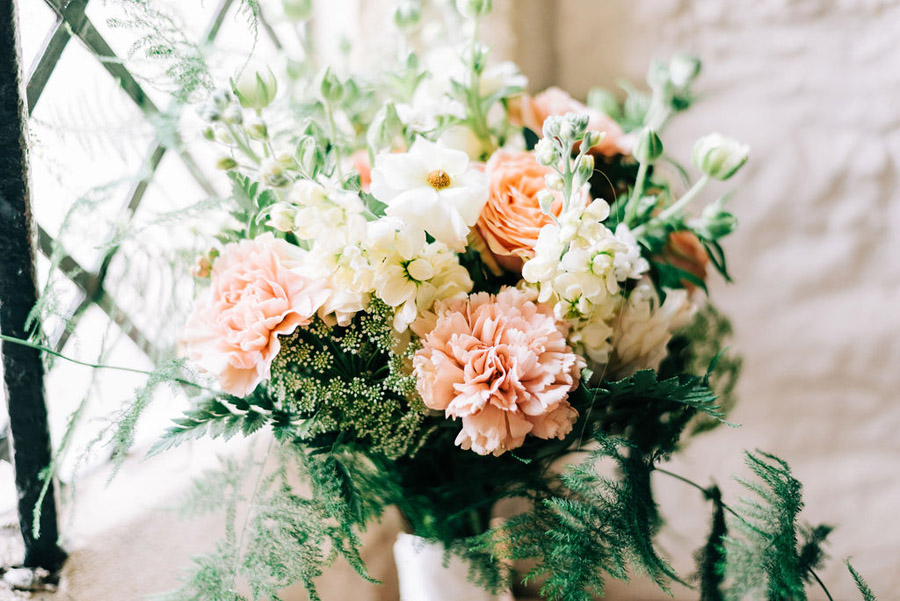 coral and neutral colour palette for a stunning wedding look with Corky and Prince, image credit Rachel Jane Photography (17)