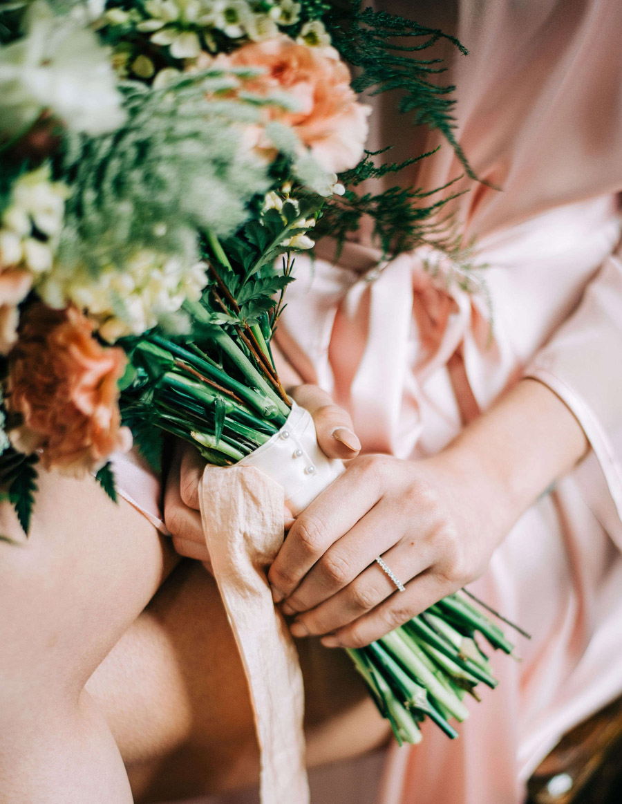 coral and neutral colour palette for a stunning wedding look with Corky and Prince, image credit Rachel Jane Photography (19)