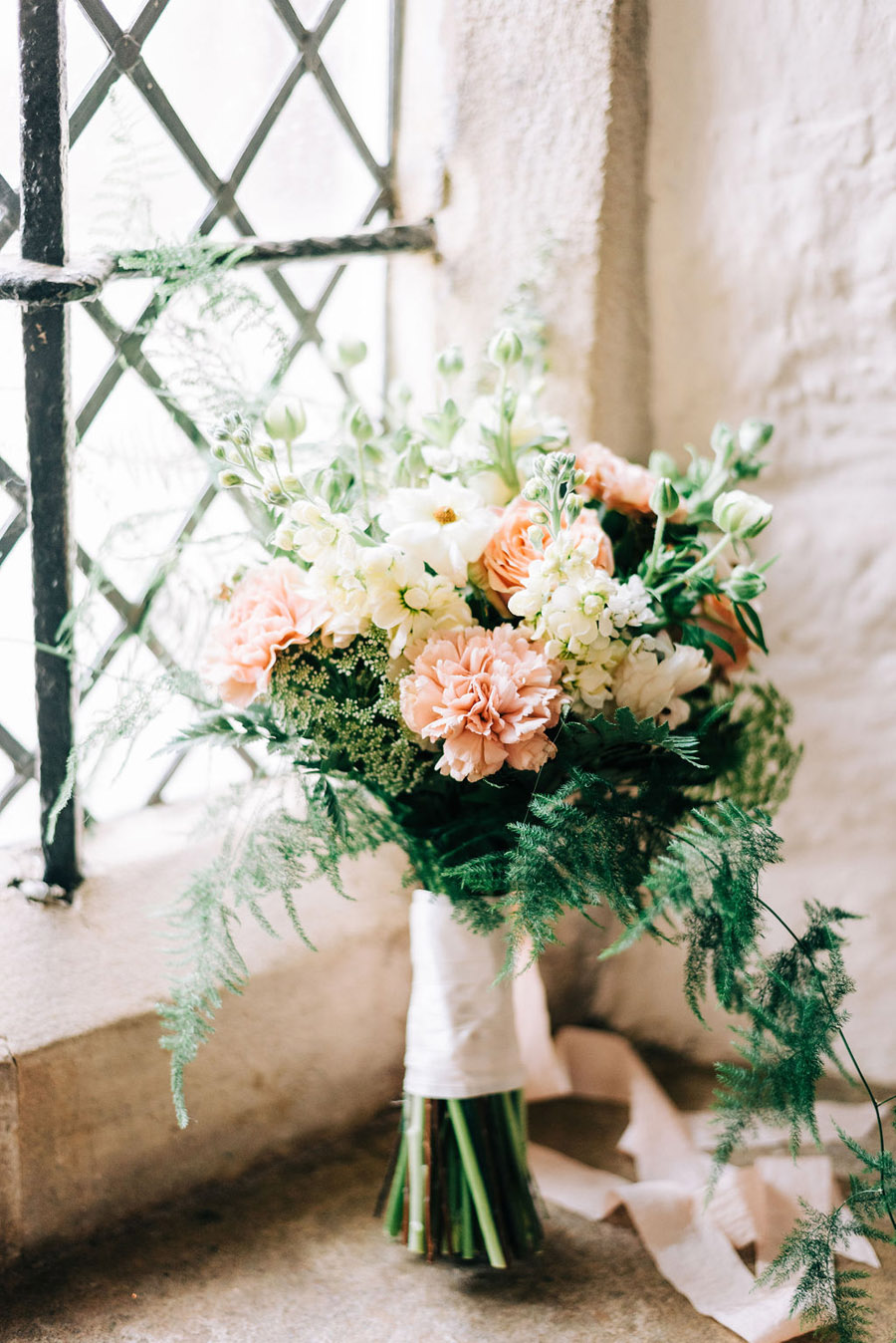 coral and neutral colour palette for a stunning wedding look with Corky and Prince, image credit Rachel Jane Photography (20)