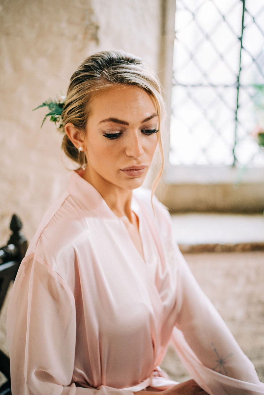 coral and neutral colour palette for a stunning wedding look with Corky and Prince, image credit Rachel Jane Photography (23)