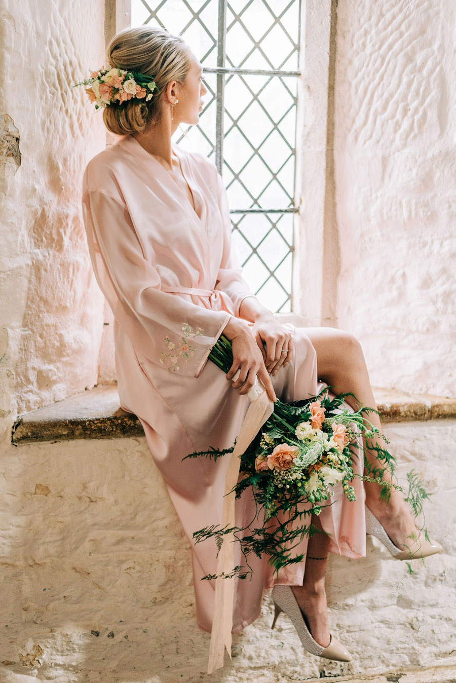 coral and neutral colour palette for a stunning wedding look with Corky and Prince, image credit Rachel Jane Photography (25)