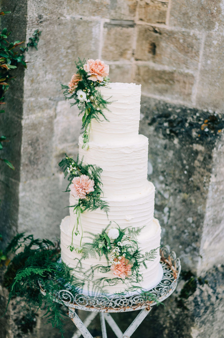 coral and neutral colour palette for a stunning wedding look with Corky and Prince, image credit Rachel Jane Photography (38)