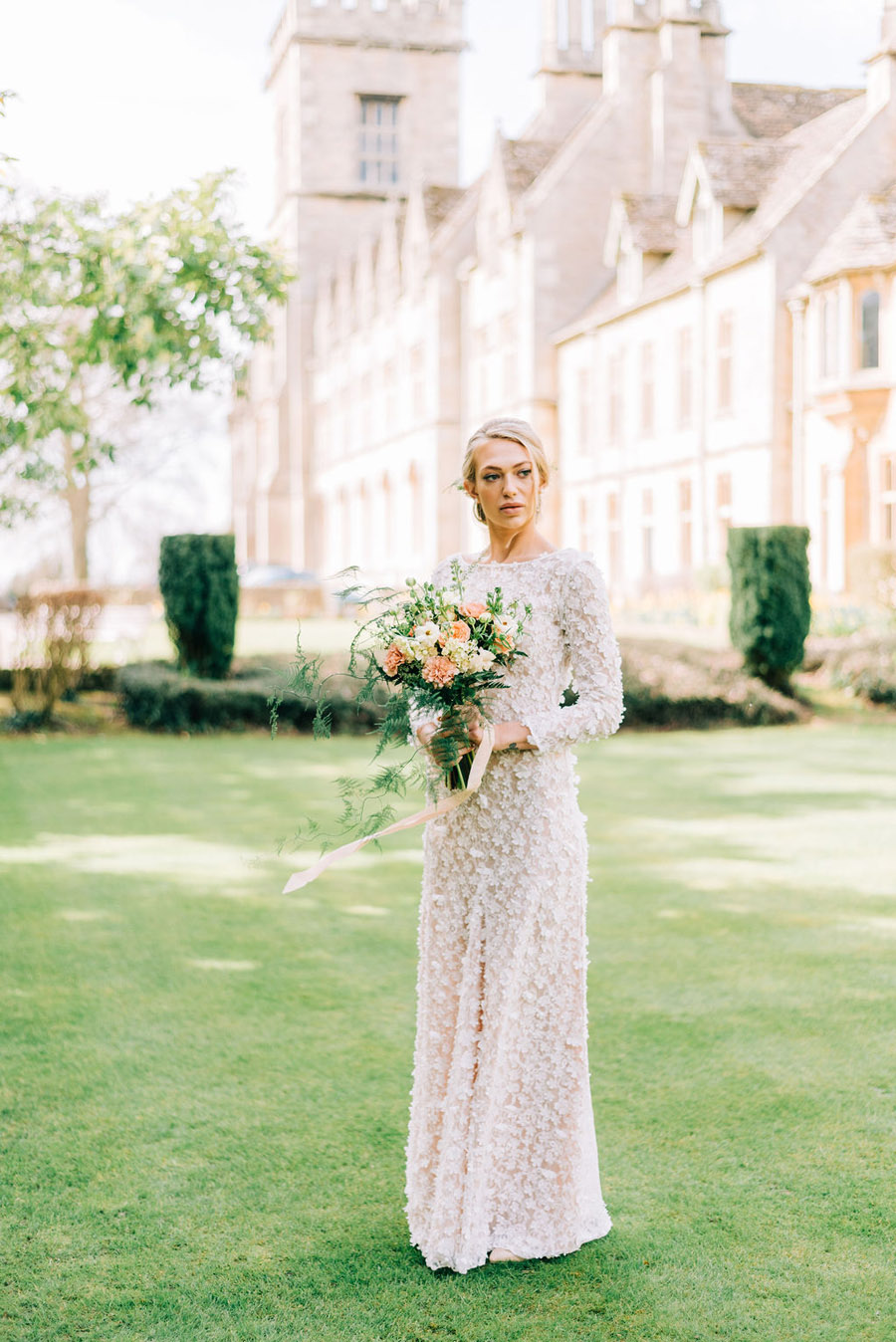 coral and neutral colour palette for a stunning wedding look with Corky and Prince, image credit Rachel Jane Photography (4)