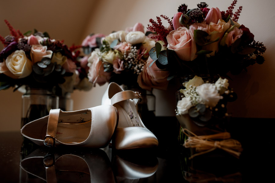Sarah & Rob's relaxed and romantic English barn wedding at Micklefield, photo credit Damion Mower Photography (21)