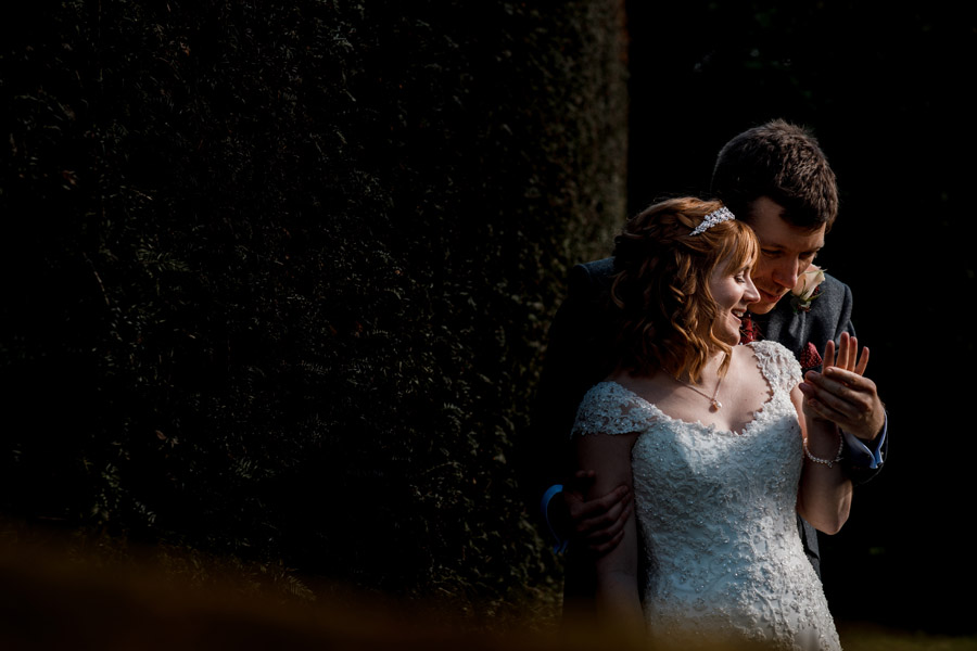 Sarah & Rob's relaxed and romantic English barn wedding at Micklefield, photo credit Damion Mower Photography (31)