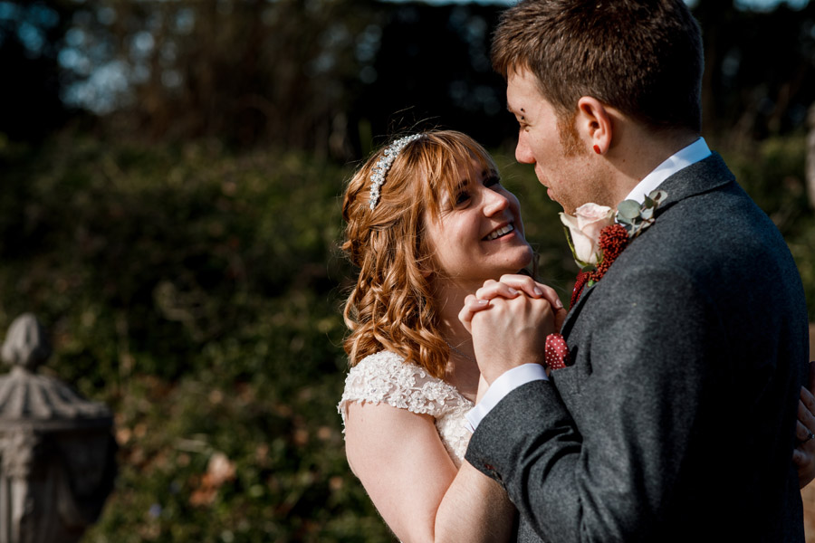 Sarah & Rob's relaxed and romantic English barn wedding at Micklefield, photo credit Damion Mower Photography (33)