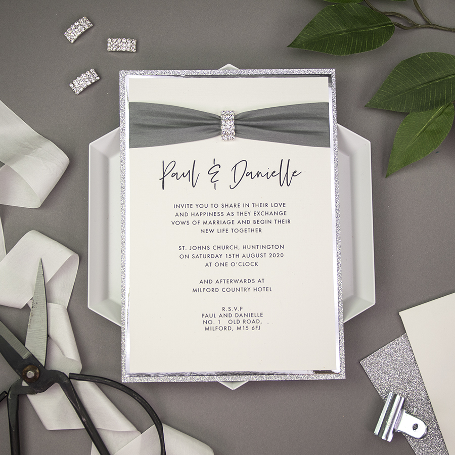DIY wedding stationery embellishments from Wowvow (15)