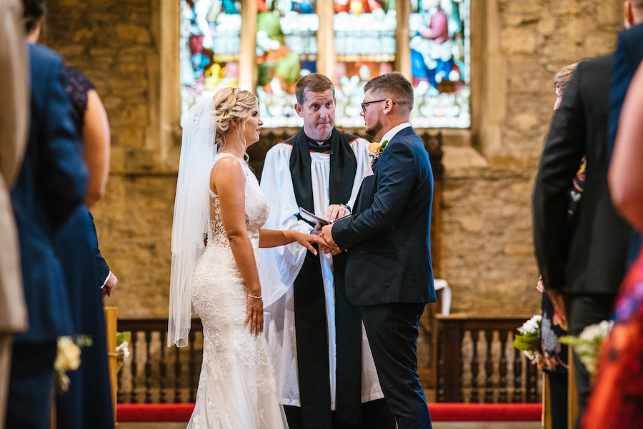 village wedding in Lincolnshire, Shearsby Bath wedding by Johnny Dent Photography (16)