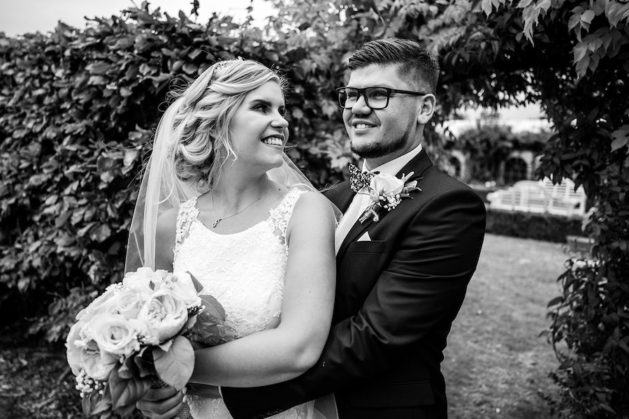 village wedding in Lincolnshire, Shearsby Bath wedding by Johnny Dent Photography (34)