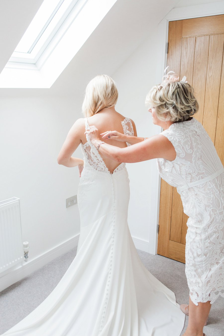 Beautiful English marquee wedding in Hertfordshire with Amanda Karen Photography (10)
