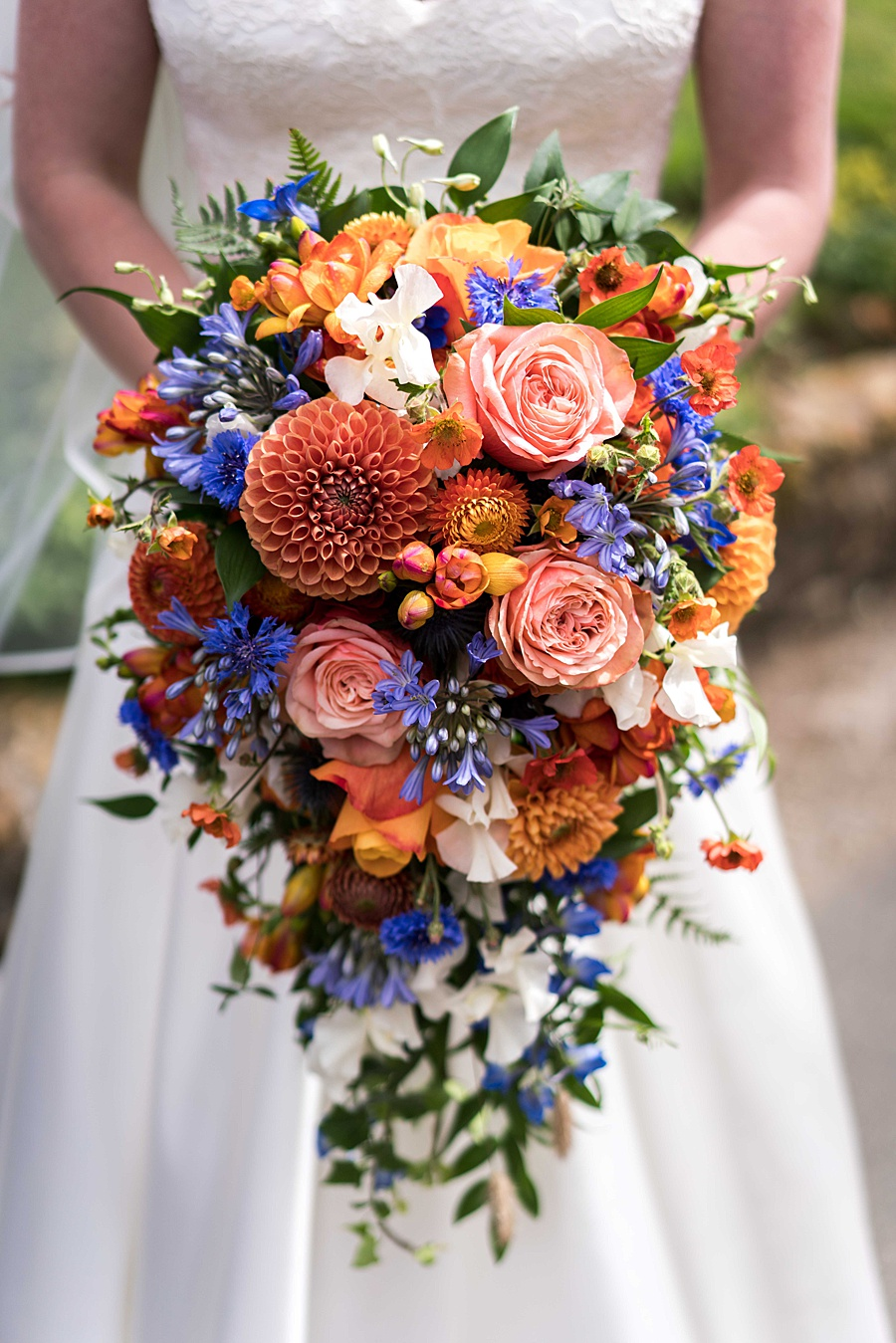 Sarah & Michael's coral and blue Mapperton House wedding, with Linus Moran Photography on the English Wedding Blog (7)