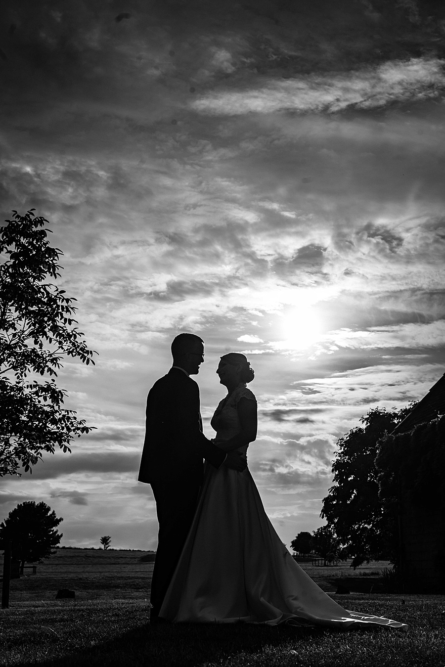 Sarah & Michael's coral and blue Mapperton House wedding, with Linus Moran Photography on the English Wedding Blog (41)