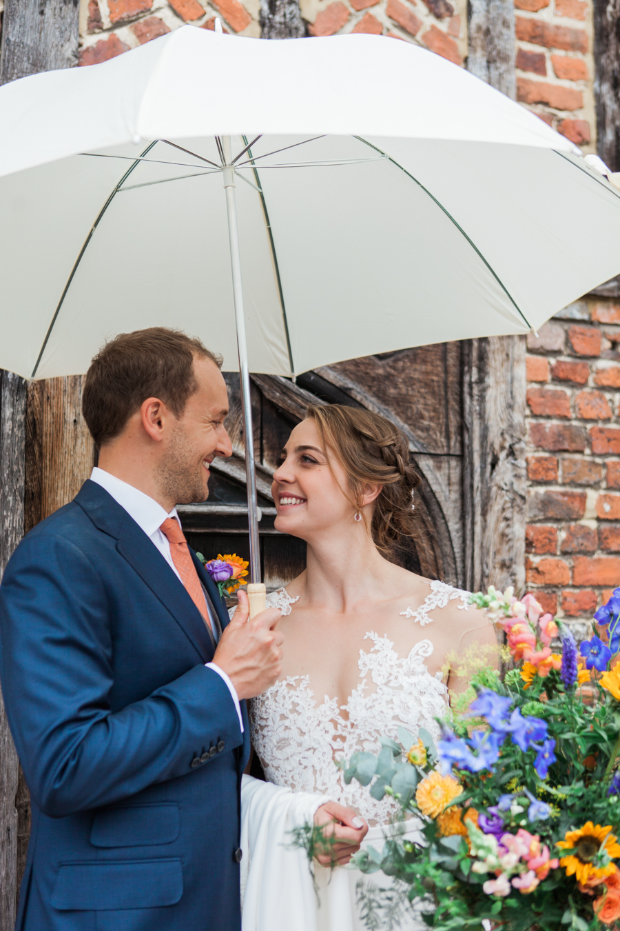 Sunflowers, roses and a beautiful backless wedding dress for this gorgeous Great Fosters wedding. Images by Amanda Karen Photography (20)