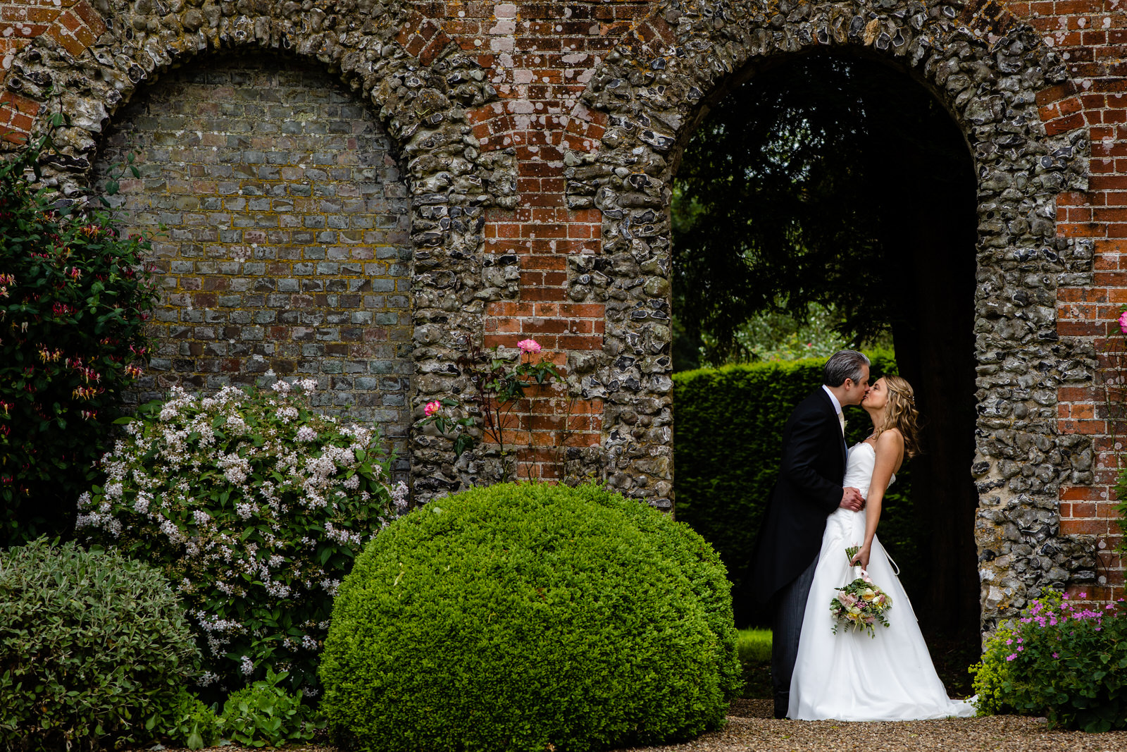 Home counties wedding photography by Damion Mower on English-Wedding.com (34)