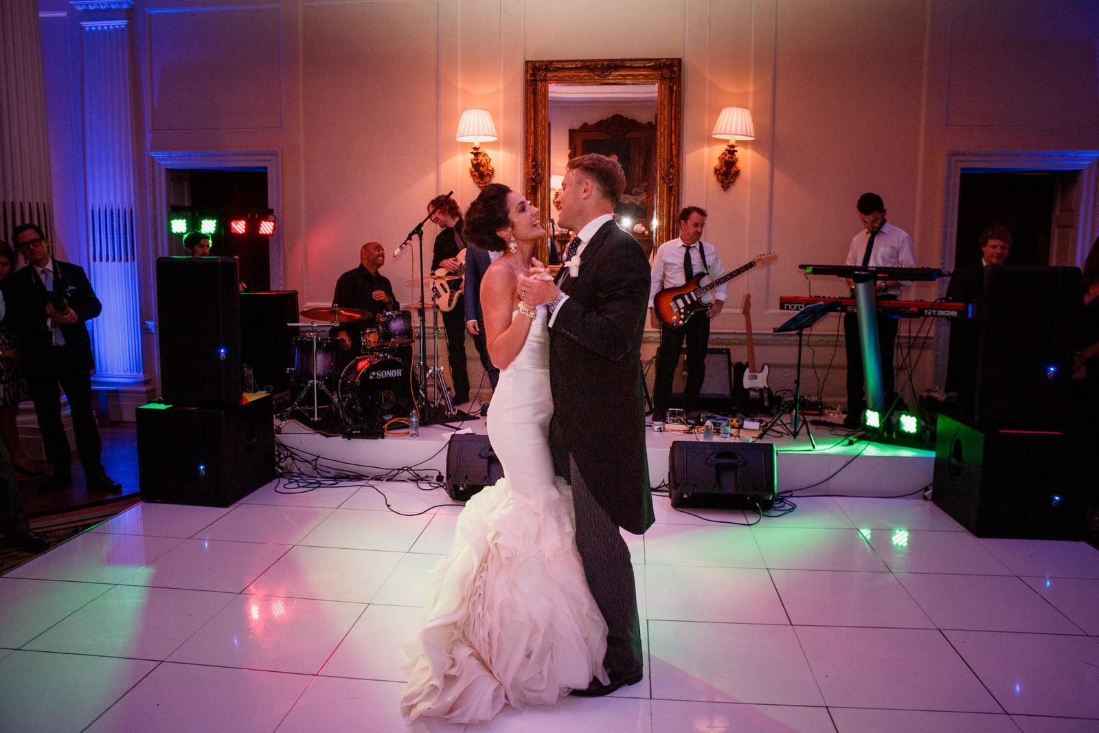 Home counties wedding photography by Damion Mower on English-Wedding.com (20)