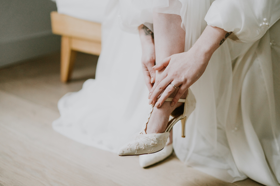 Beautifully curated fine art bridal shoot with Quaintly Photography (16)