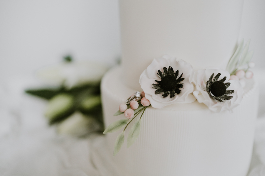Beautifully curated fine art bridal shoot with Quaintly Photography (27)