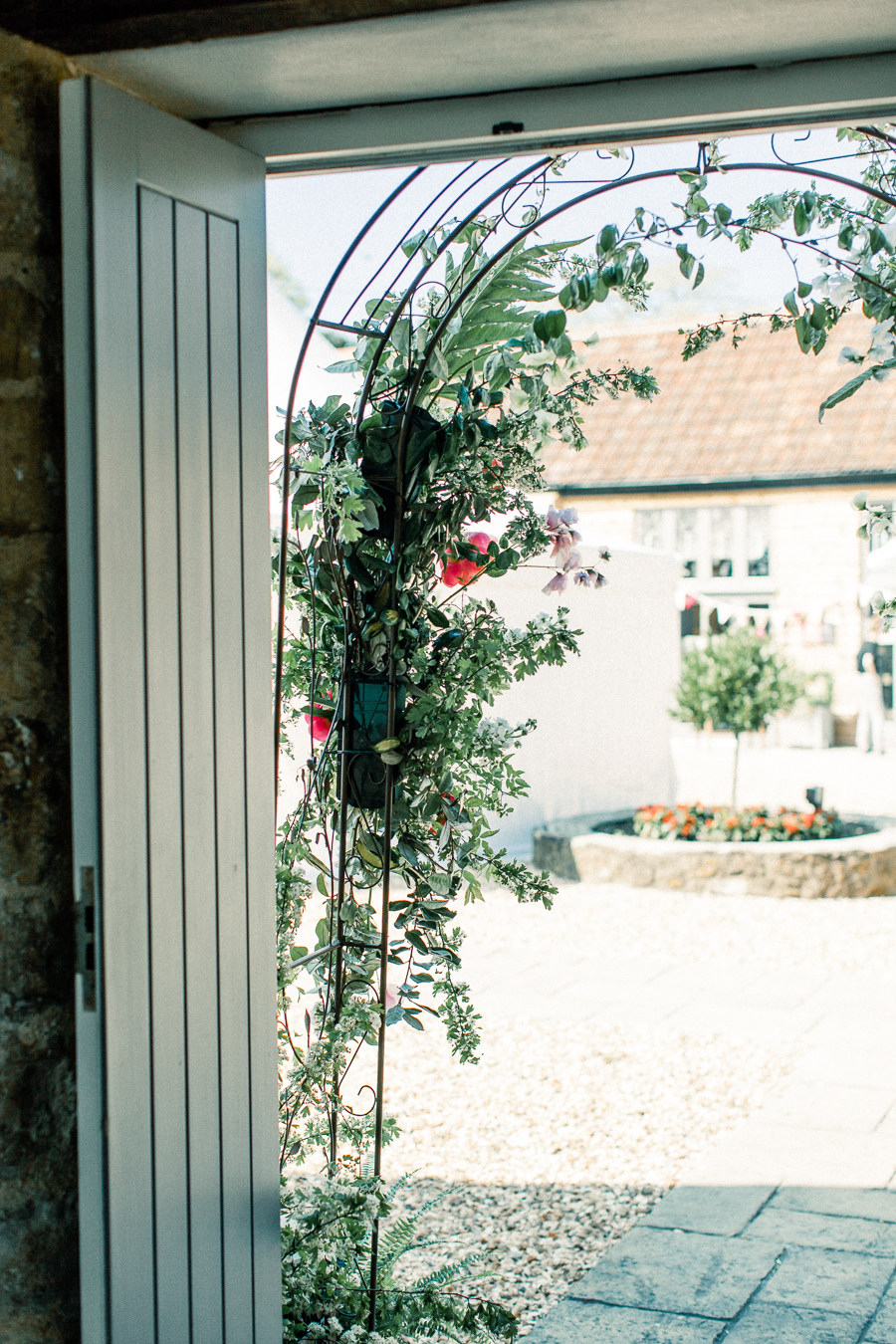 Jordans Courtyard rustic wedding styling ideas with images by Liz Baker Photography (7)