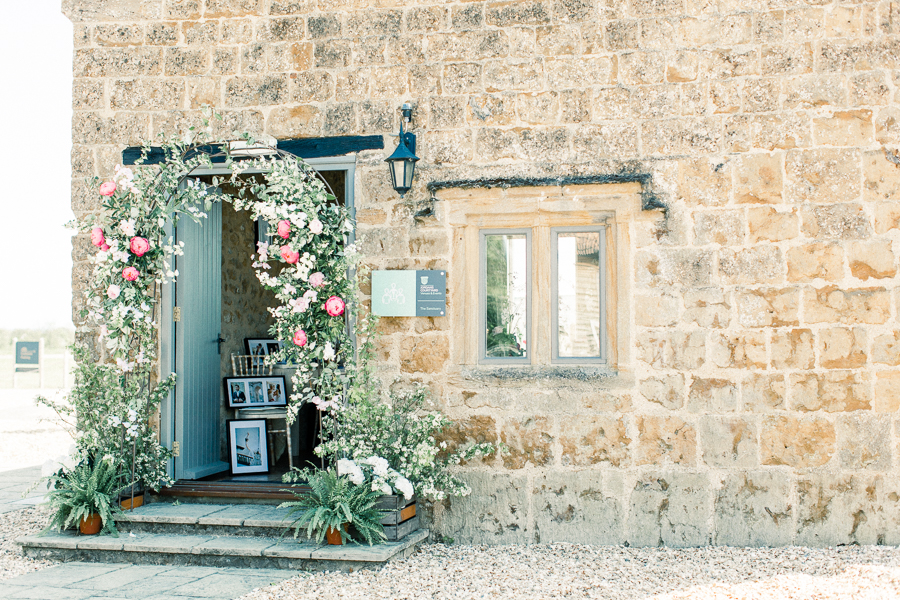 Jordans Courtyard rustic wedding styling ideas with images by Liz Baker Photography (8)