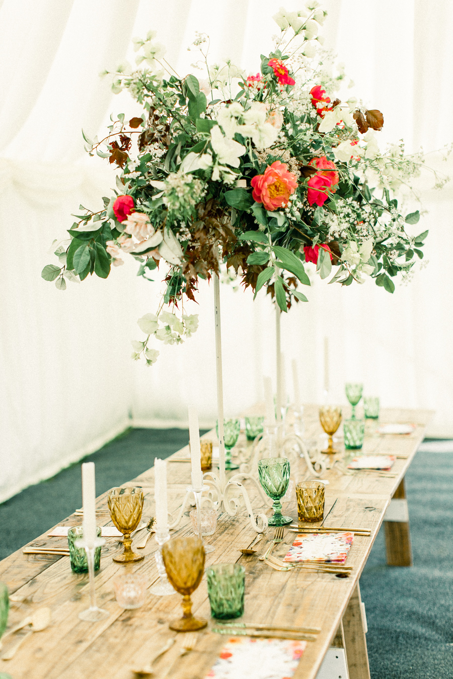 Jordans Courtyard rustic wedding styling ideas with images by Liz Baker Photography (16)