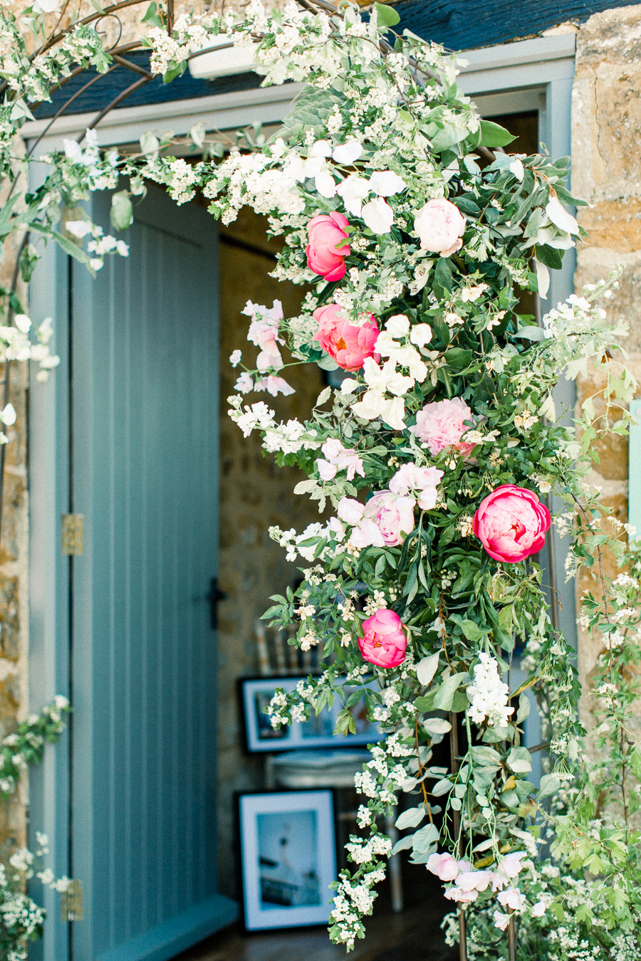 Jordans Courtyard rustic wedding styling ideas with images by Liz Baker Photography (17)