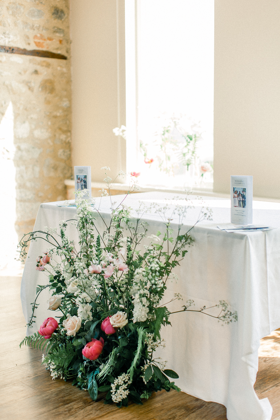 Jordans Courtyard rustic wedding styling ideas with images by Liz Baker Photography (6)