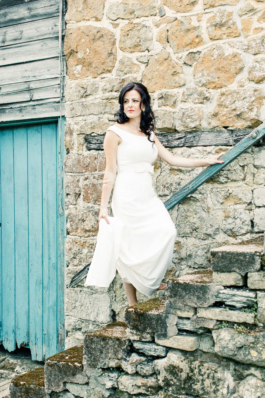 Jordans Courtyard rustic wedding styling ideas with images by Liz Baker Photography (40)
