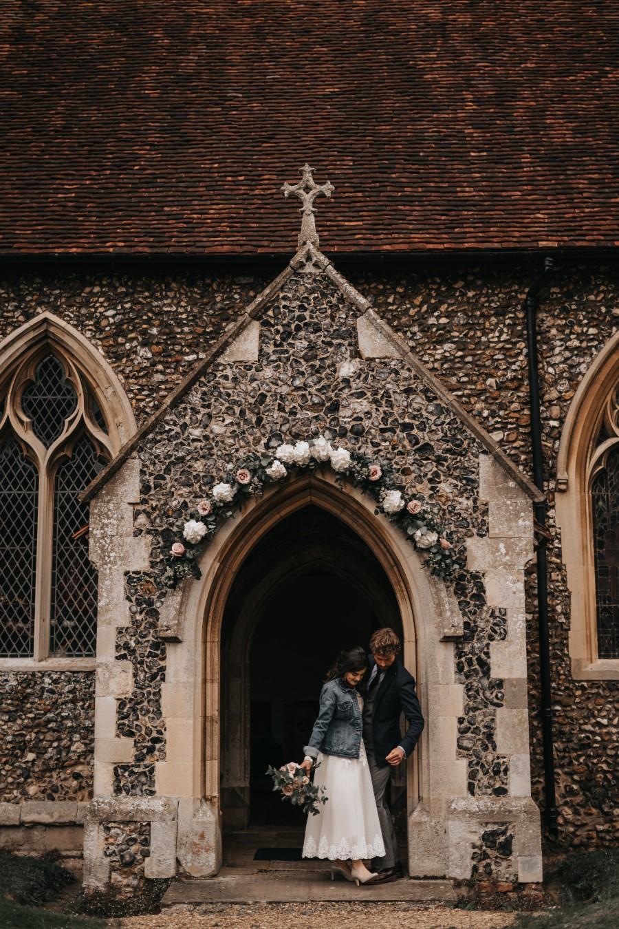 Real couple Daniel & Lorena Essex countryside boho wedding ideas (3)