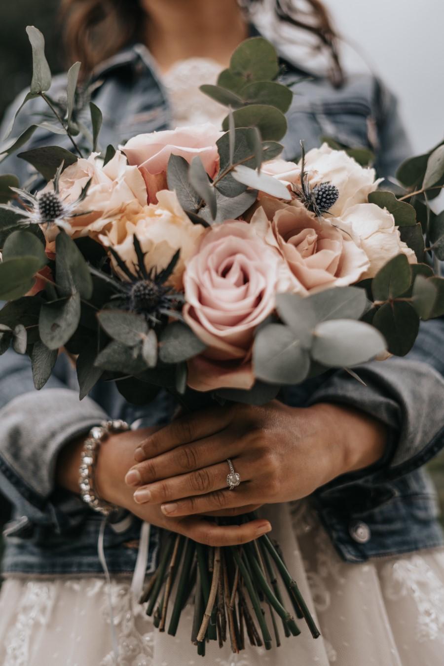 Real couple Daniel & Lorena Essex countryside boho wedding ideas (7)