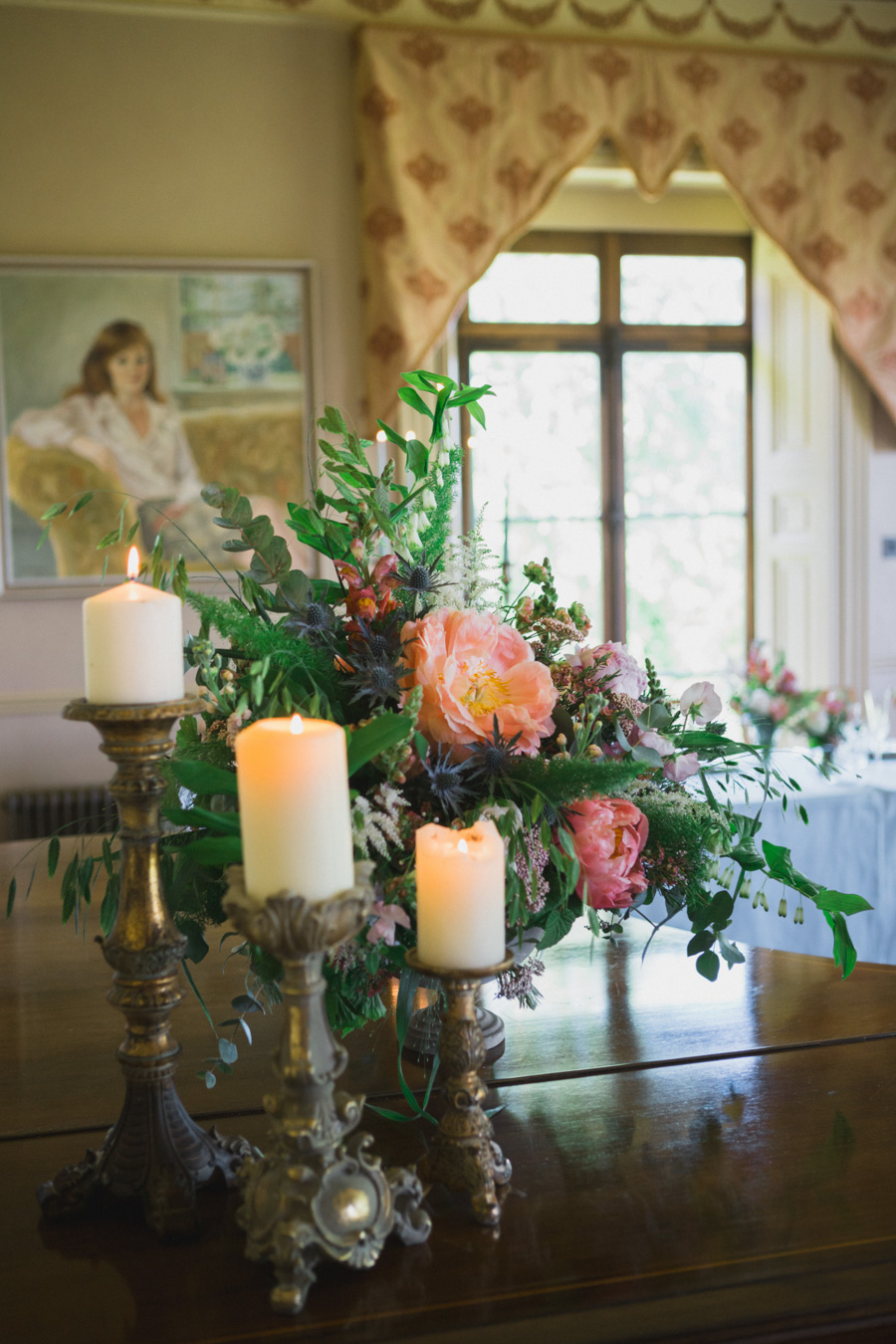 Divine wedding styling with English country garden florals at Pauntley Court, photo credit Red Maple Photography (14)