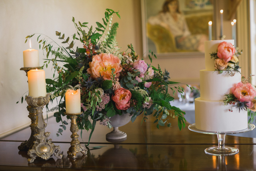 Divine wedding styling with English country garden florals at Pauntley Court, photo credit Red Maple Photography (23)