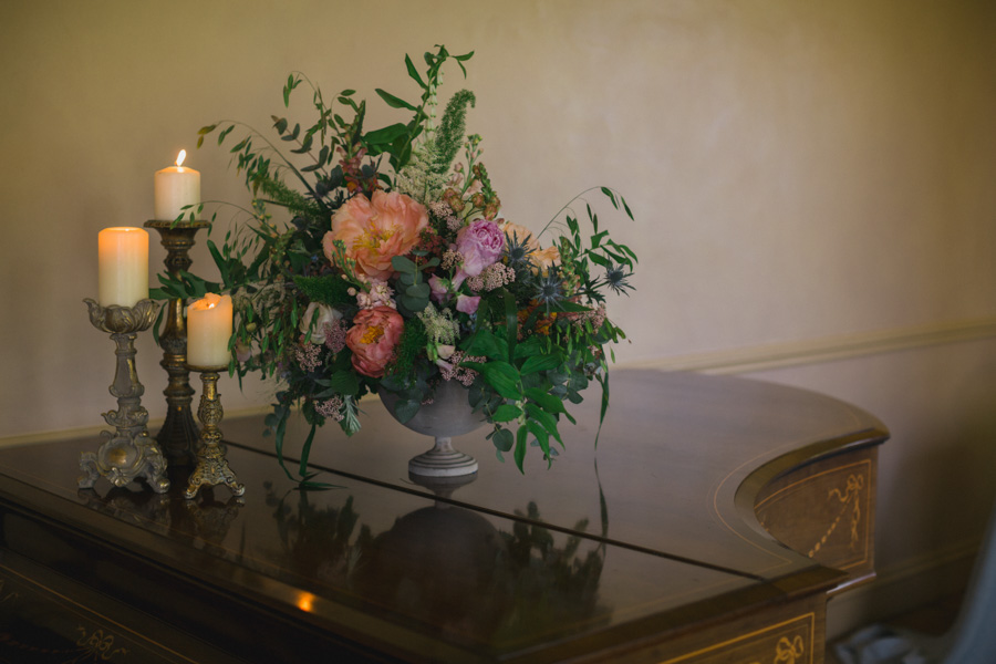 Divine wedding styling with English country garden florals at Pauntley Court, photo credit Red Maple Photography (25)
