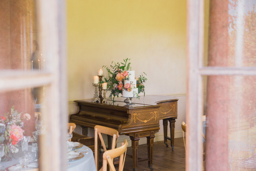 Divine wedding styling with English country garden florals at Pauntley Court, photo credit Red Maple Photography (28)