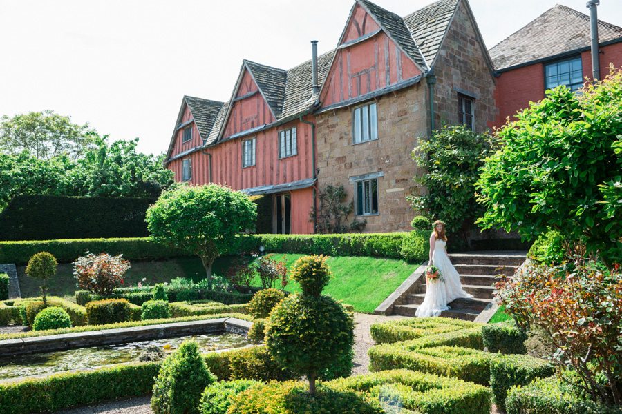 Divine wedding styling with English country garden florals at Pauntley Court, photo credit Red Maple Photography (31)