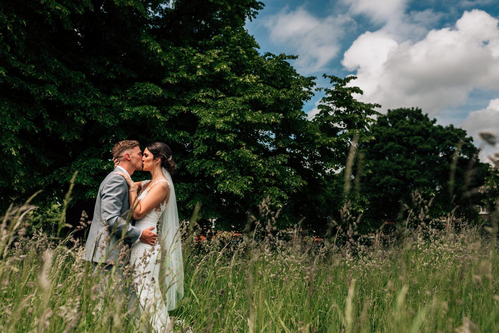Home counties wedding photography by Damion Mower on English-Wedding.com (8)