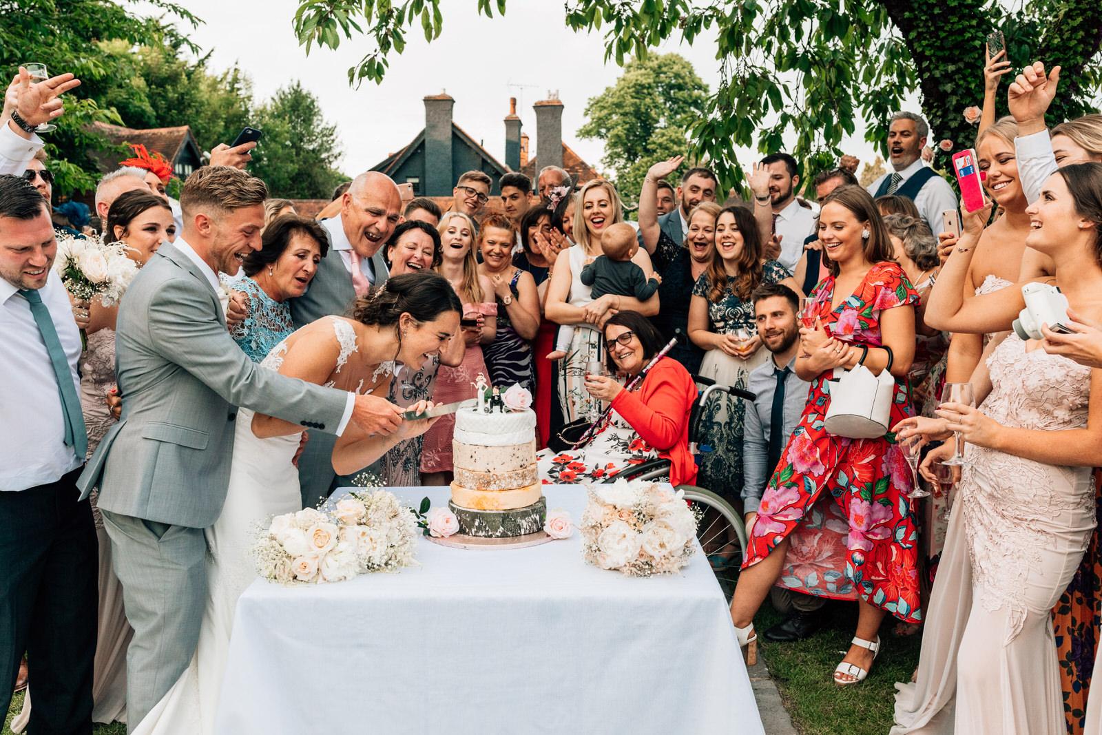 Home counties wedding photography by Damion Mower on English-Wedding.com (7)