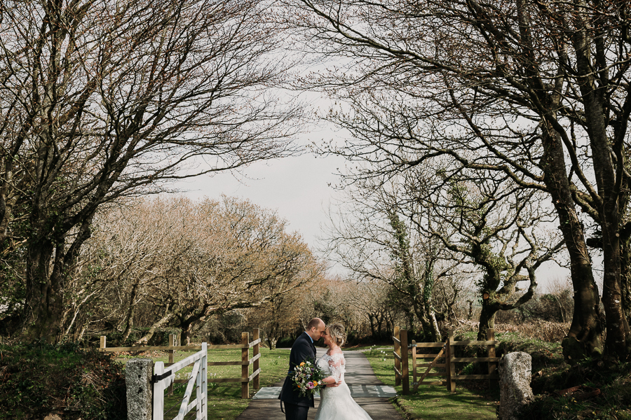 Rustic Trevenna Barns wedding blog with Alexa Poppe Photography (29)