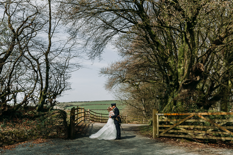 Rustic Trevenna Barns wedding blog with Alexa Poppe Photography (32)
