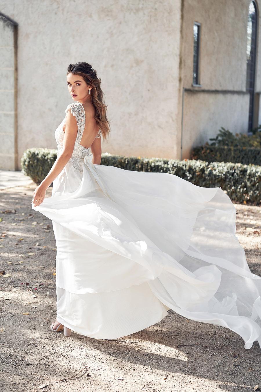 Anna Campbell Lumière Collection English-Wedding.com (5)