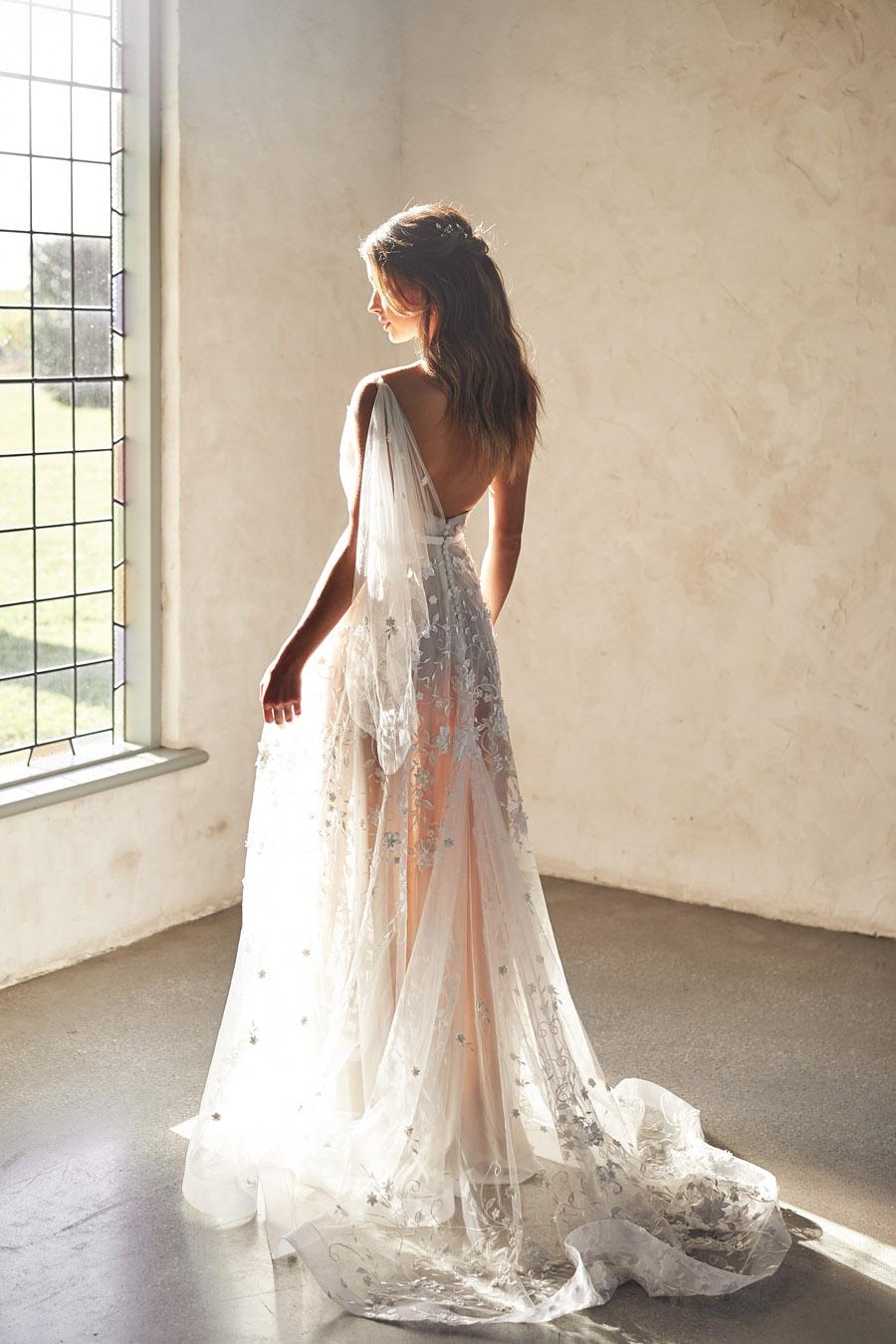 Anna Campbell Lumière Collection English-Wedding.com (7)