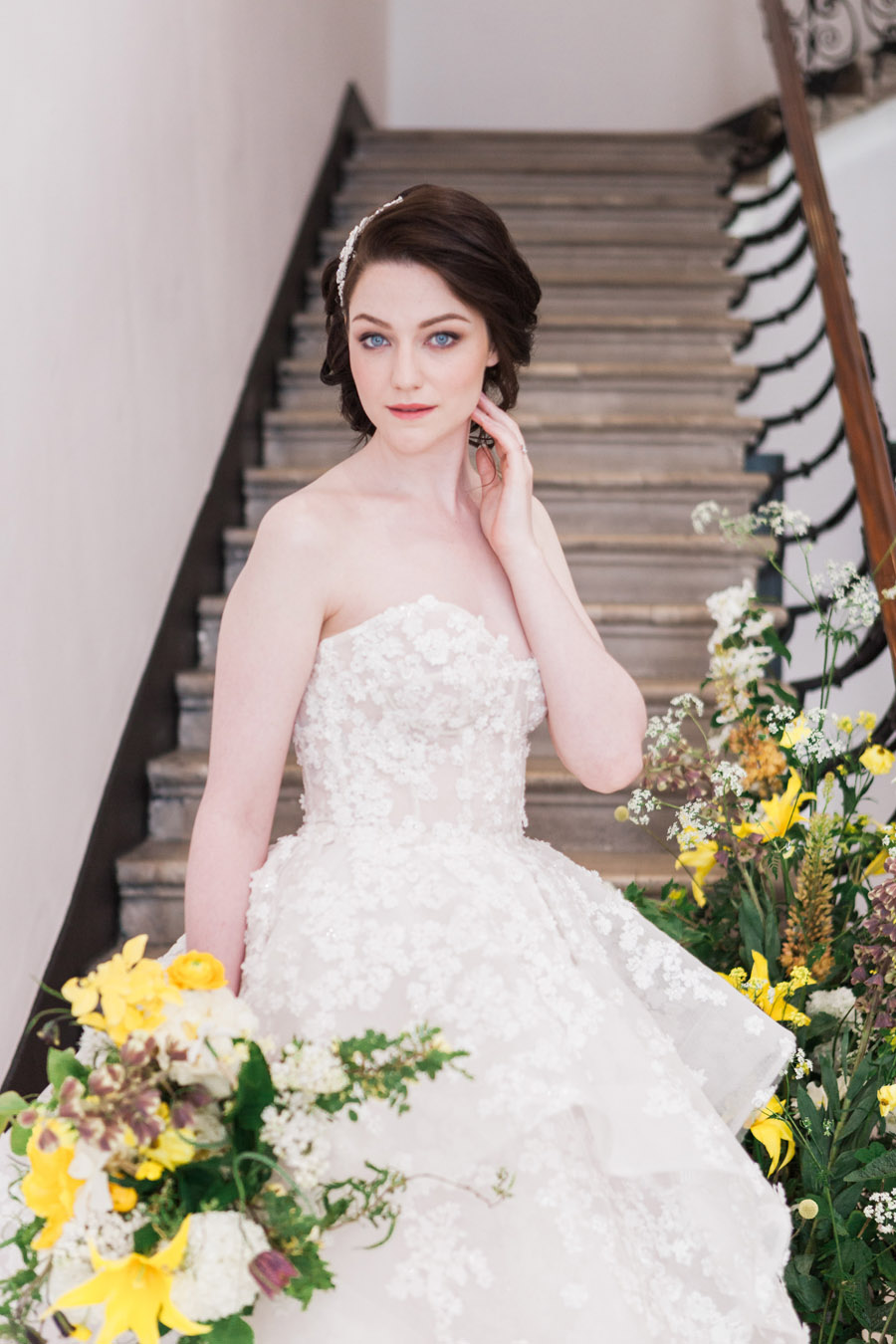 Glorious yellow Bloomologie blooms and styling by Chenai - photo credit Amanda Karen Photography (5)